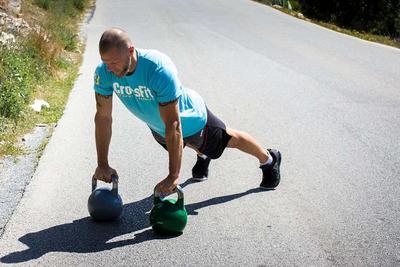 ?对老人最好的8种伸腿健身法
