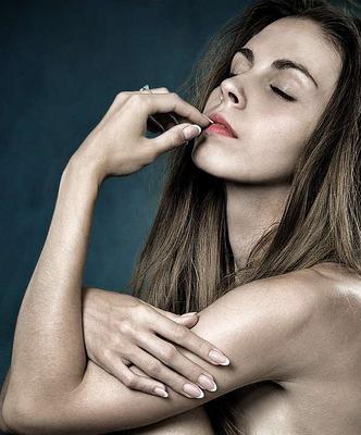 ?怎样治女性腋臭呢