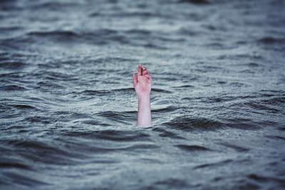 安徽16岁学生高烧中救溺水儿童 高烧游泳会有什么副作用