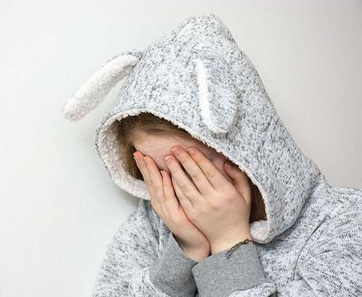 更年期抑郁症的症状_更年期抑郁症的表现有哪些 更年期抑郁症症状要警惕
