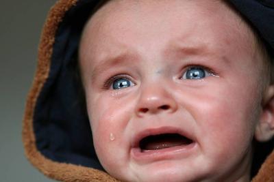 孩子两眼上翻、失神是不是癫病