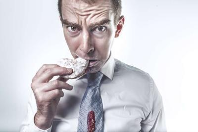 舌苔厚黄上火吃什么药 饮食上应该注意什么