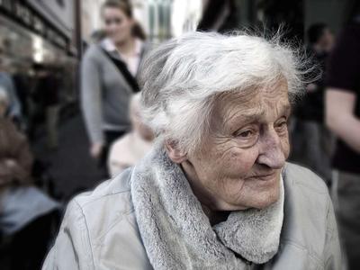 ?阿尔茨海默病有哪些症状呢