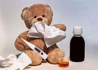 小孩发烧抽筋怎么办 小孩发烧吃哪些食物好