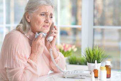 ?老人家手抖的原因及缓解方法是什么