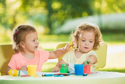 小孩遗尿 正确引导宝宝治愈遗尿症