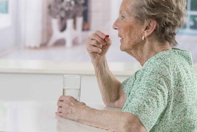 ?老年虚火牙痛 实乃肾水不足