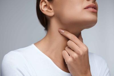 喉咙觉得有异物是艾滋病的症状吗 喉咙有异物就是艾滋病吗