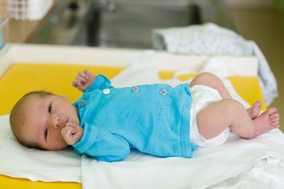 新生儿黄疸如何处理 宝宝黄疸的处理办法