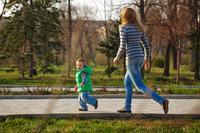 散步的好处有哪些 每天坚持散步30分钟很长寿