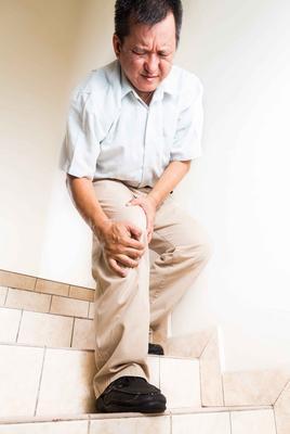 ?老年人要警惕退变性关节炎