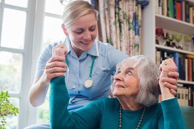 ?老年人颅内压增高的症状
