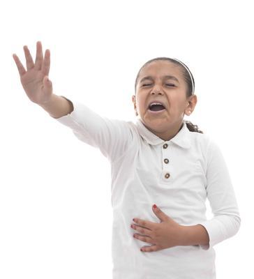 ?老人手抖的原因有哪些?老人为什么会手抖?