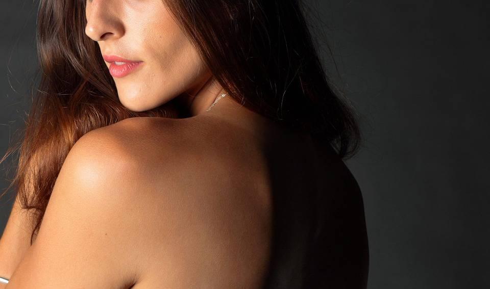 肩颈厚怎样形成的肩颈厚怎么才能瘦下来