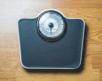 身高1米67女孩减肥只剩50斤 一日一餐 脑组织如60岁老人