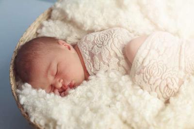 10天新生儿一天睡多久 小宝宝睡觉的姿势