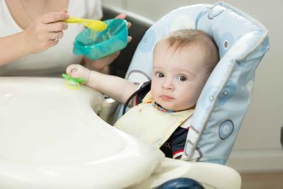 宝宝几个月可以吃磨牙棒 宝宝咬磨牙棒的好处