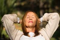 吃什么有利于老人入睡 4种助眠食物老人可常吃