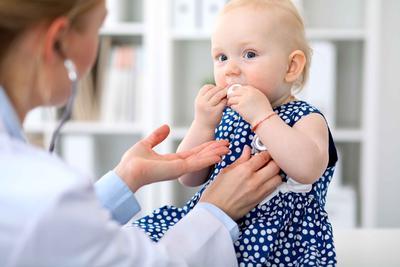 宝宝肚脐周围疼是怎么回事 宝宝肚脐该如何清洗呢