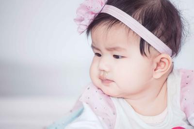 婴儿自闭症有什么症状 怎么治疗自闭症