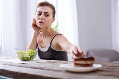 女性晚上尿多是什么原因 尿频的食疗