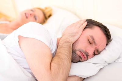 亚急性甲状腺炎的症状有哪些 亚急性甲状腺炎有哪些治疗方法
