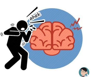 若头部出现这4个现象,多半是脑血管堵塞!无论男女,请及时就医